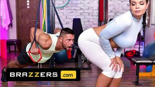 Busty Czech Hottie (Sofia Lee) Enjoys A Nice Fuck During Her Workout - Brazzers